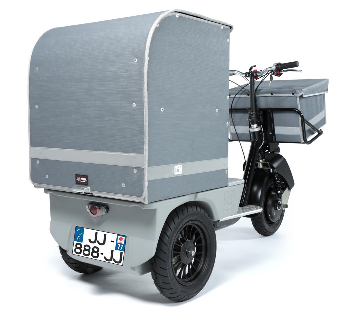 Porteur electrique homologue route pour la livraison du dernier kilometre